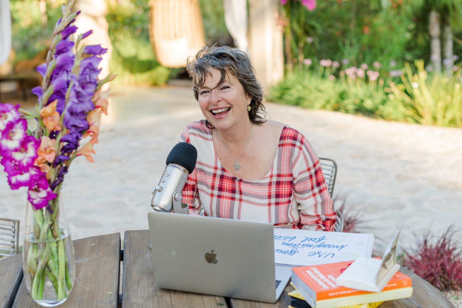 Susie Pearl Podcaster
